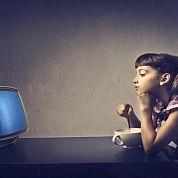 Длительный просмотр телевизора вредит головному мозгу ребенка