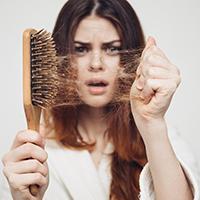 Как остановить выпадение волос: эксклюзивные ингредиенты и комплексный подход