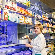 Робот в штате, прибавка к пенсии и 90-летний опыт – эти и другие фишки аптек «Фармакон»