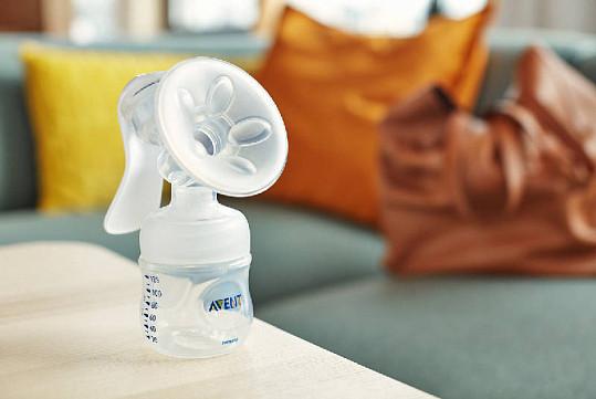 Ручной молокоотсос с бутылочкой филипс авент серии нейчерал scf330/20, фото №3